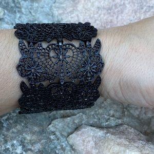 Jewelry - ⚡️🎃Black lace cuff stretch bracelet
